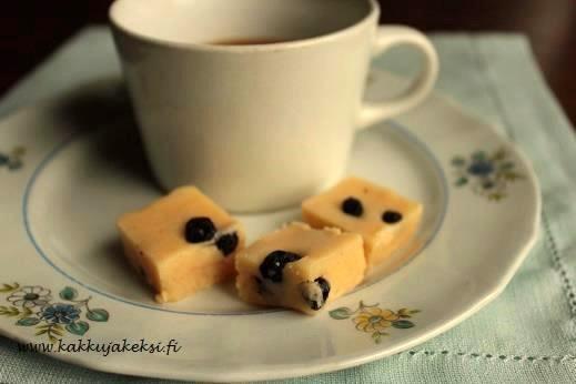 Mustikkainen vaniljafudge