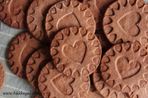 Sydämelliset suklaakeksit