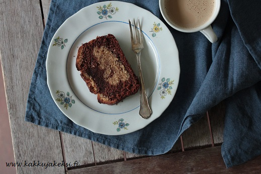 Maapähkinävoi-suklaakakku